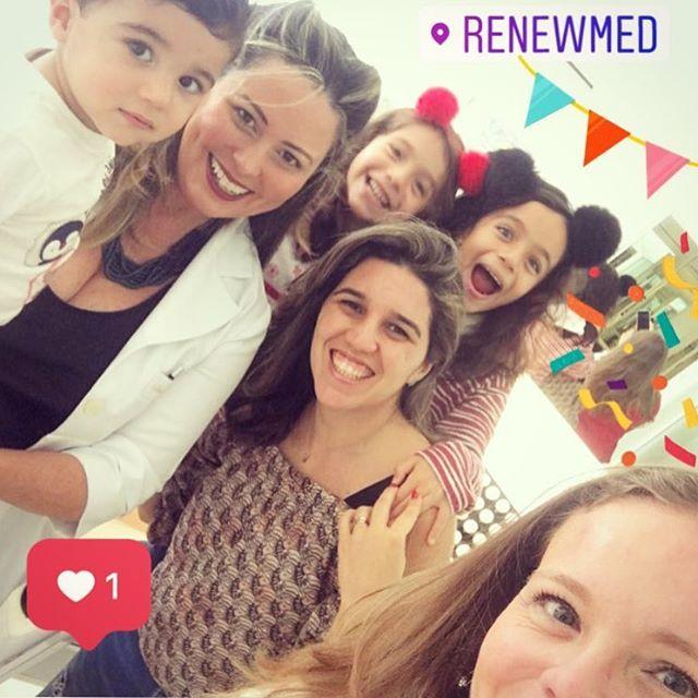 Sexta-feira é dia de gente feliz! #rennovaday #renewmed #emfamiliaemelhor
